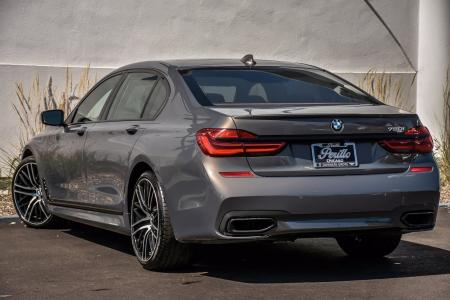 Used 2018 BMW 750i M-Sport Executive    Downers Grove, IL