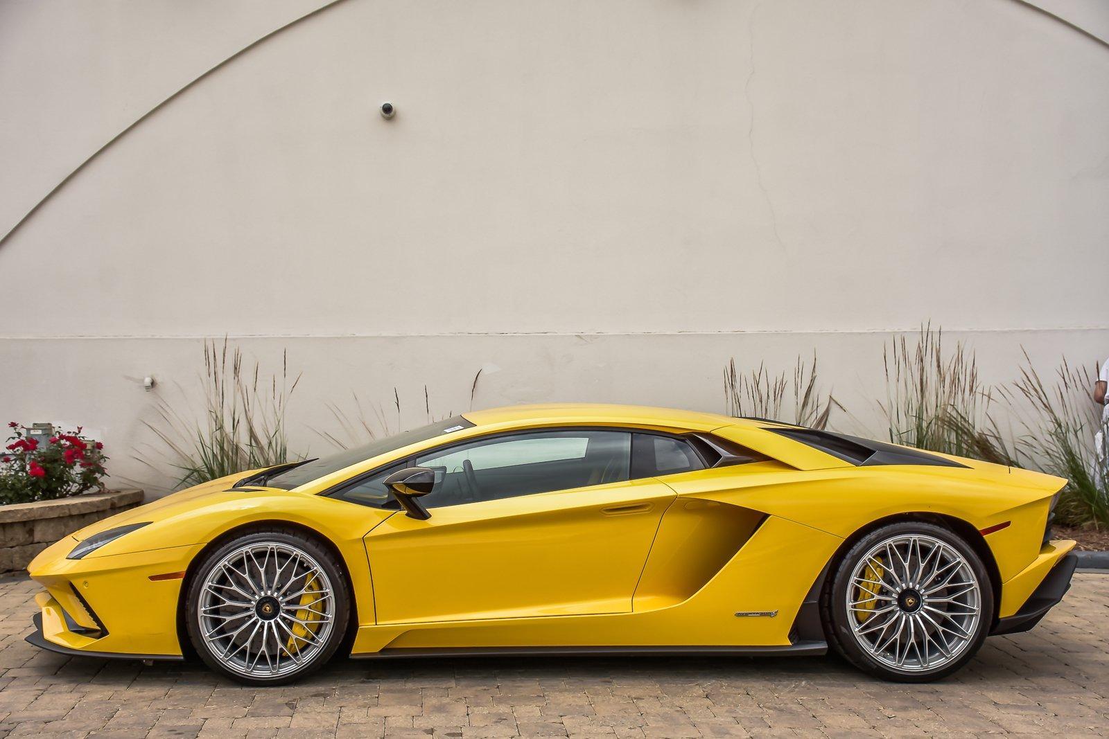 Used 2017 Lamborghini Aventador S With Navigation | Downers Grove, IL