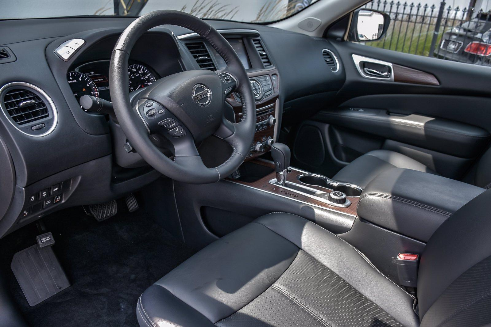 Used 2019 Nissan Pathfinder Platinum, 3rd Row, Rear Ent. | Downers Grove, IL