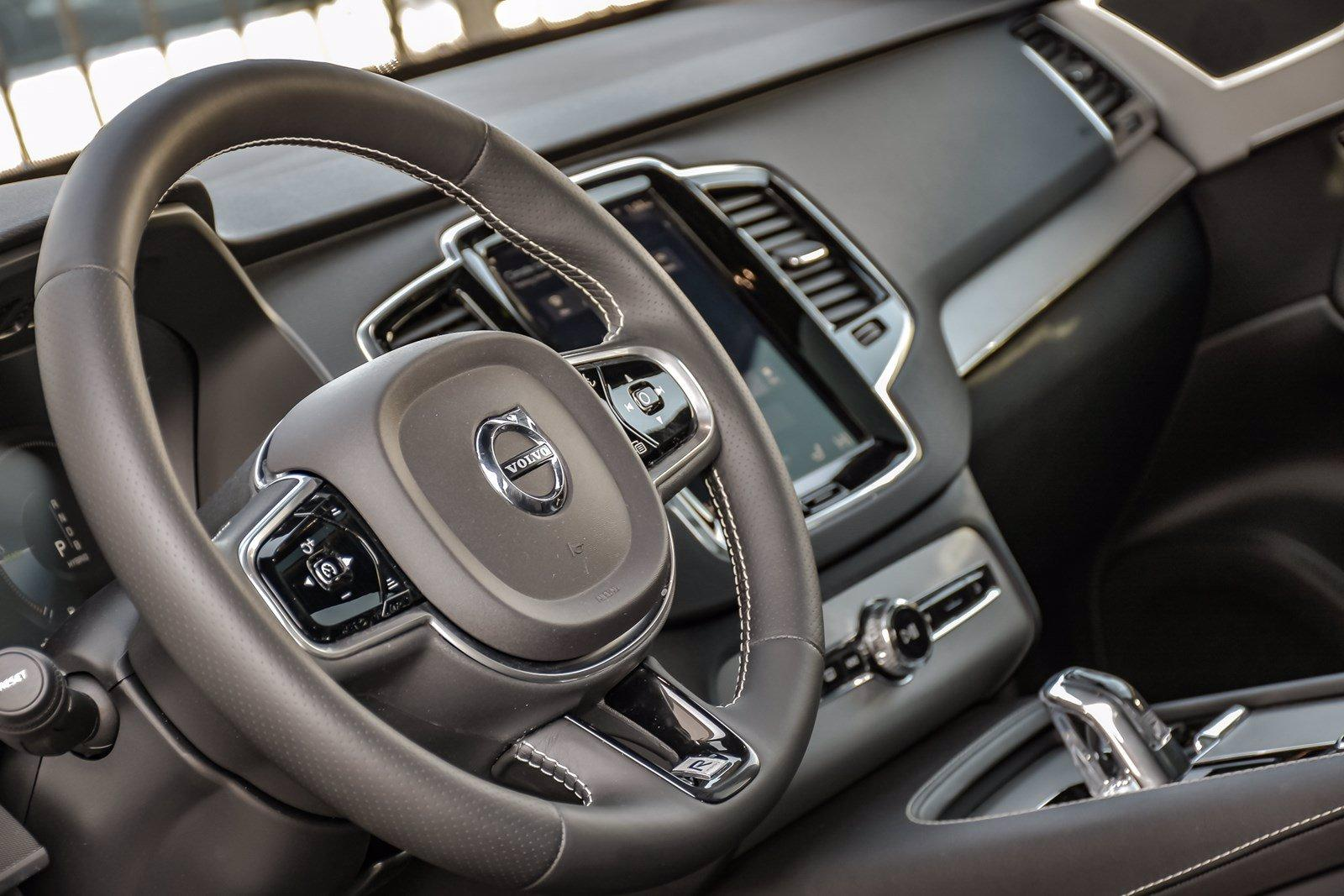2017 Volvo Xc90 T8 R Design Hybrid Stock Bd307b For Sale Near Downers Grove Il Il Volvo Dealer