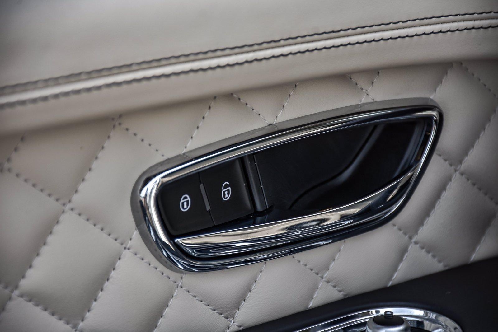Used 2017 Bentley Bentayga W12 | Downers Grove, IL