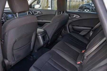 Used 2016 Chrysler 200 Limited | Downers Grove, IL