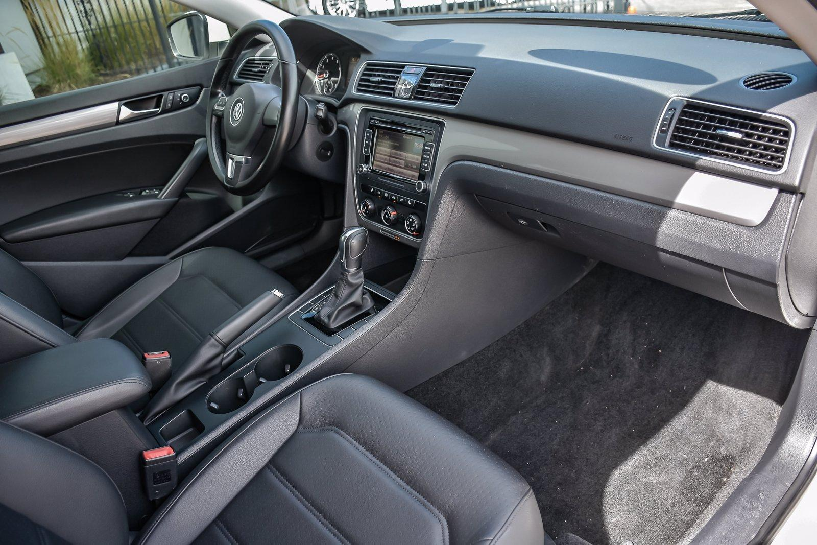Used 2015 Volkswagen Passat 1.8T Limited Edition | Downers Grove, IL