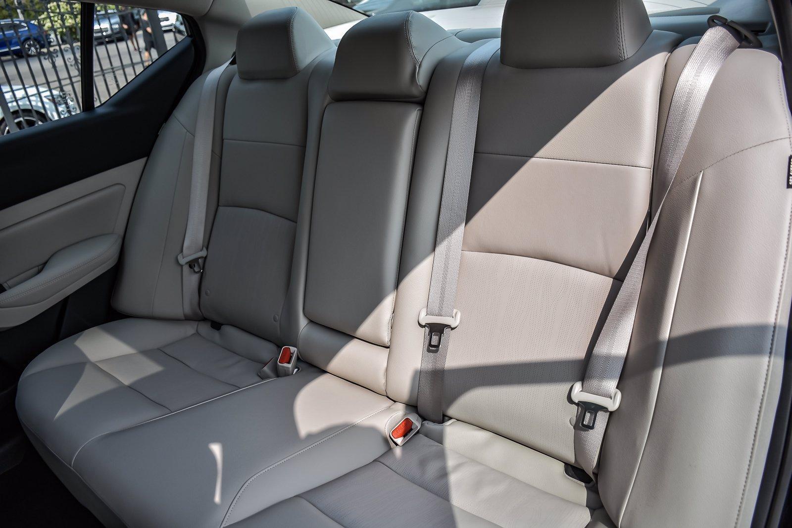 Used 2020 Nissan Altima 2.0 Platinum   Downers Grove, IL
