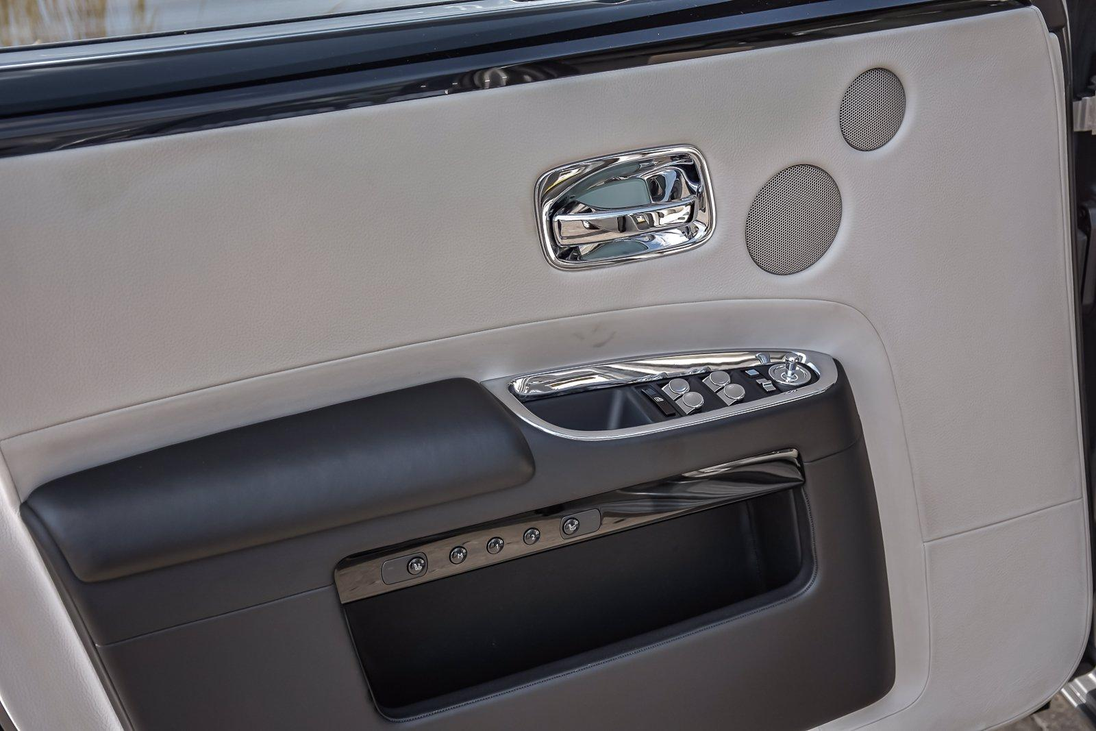 Used 2015 Rolls-Royce Ghost, Rear Theatre | Downers Grove, IL