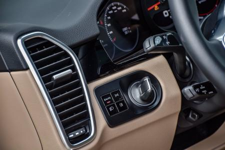 Used 2019 Porsche Cayenne Premium with Navigation & AWD | Downers Grove, IL