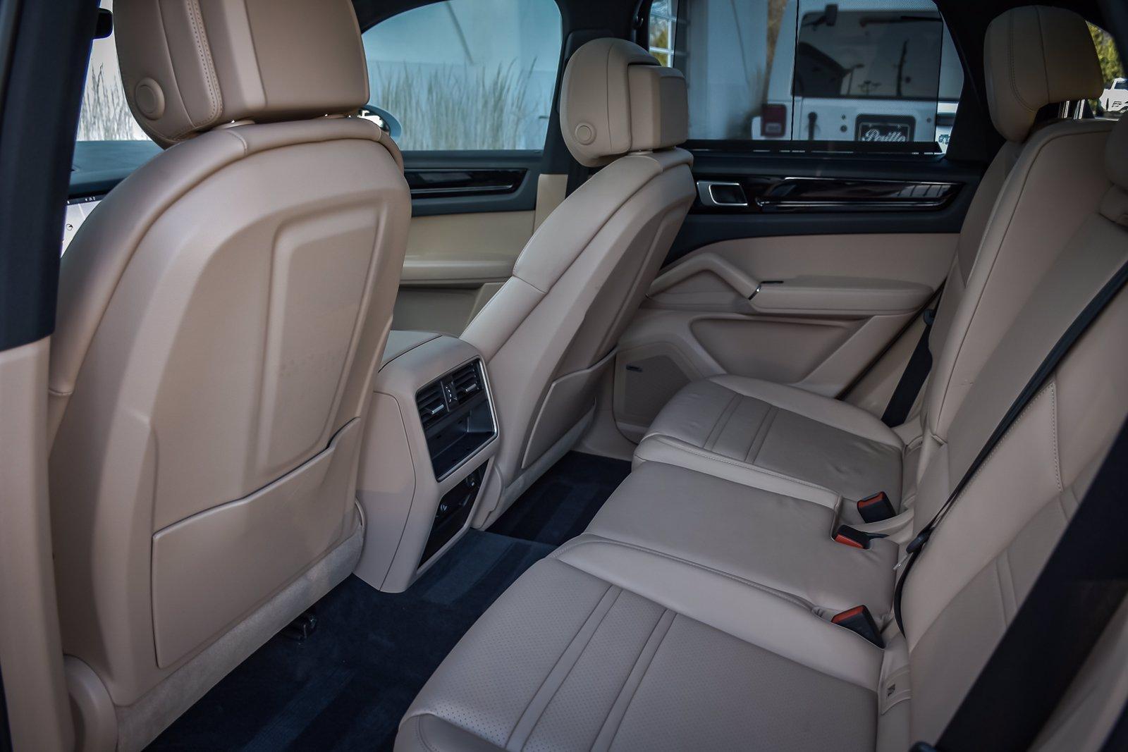 Used 2019 Porsche Cayenne S Premium | Downers Grove, IL