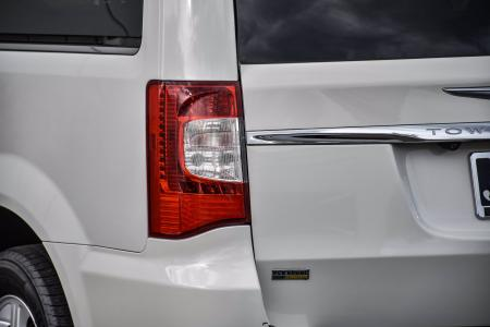 Used 2012 Chrysler Town & Country Touring-L | Downers Grove, IL