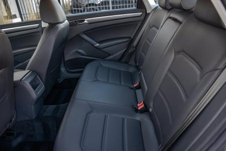 Used 2018 Volkswagen Passat R-Line | Downers Grove, IL