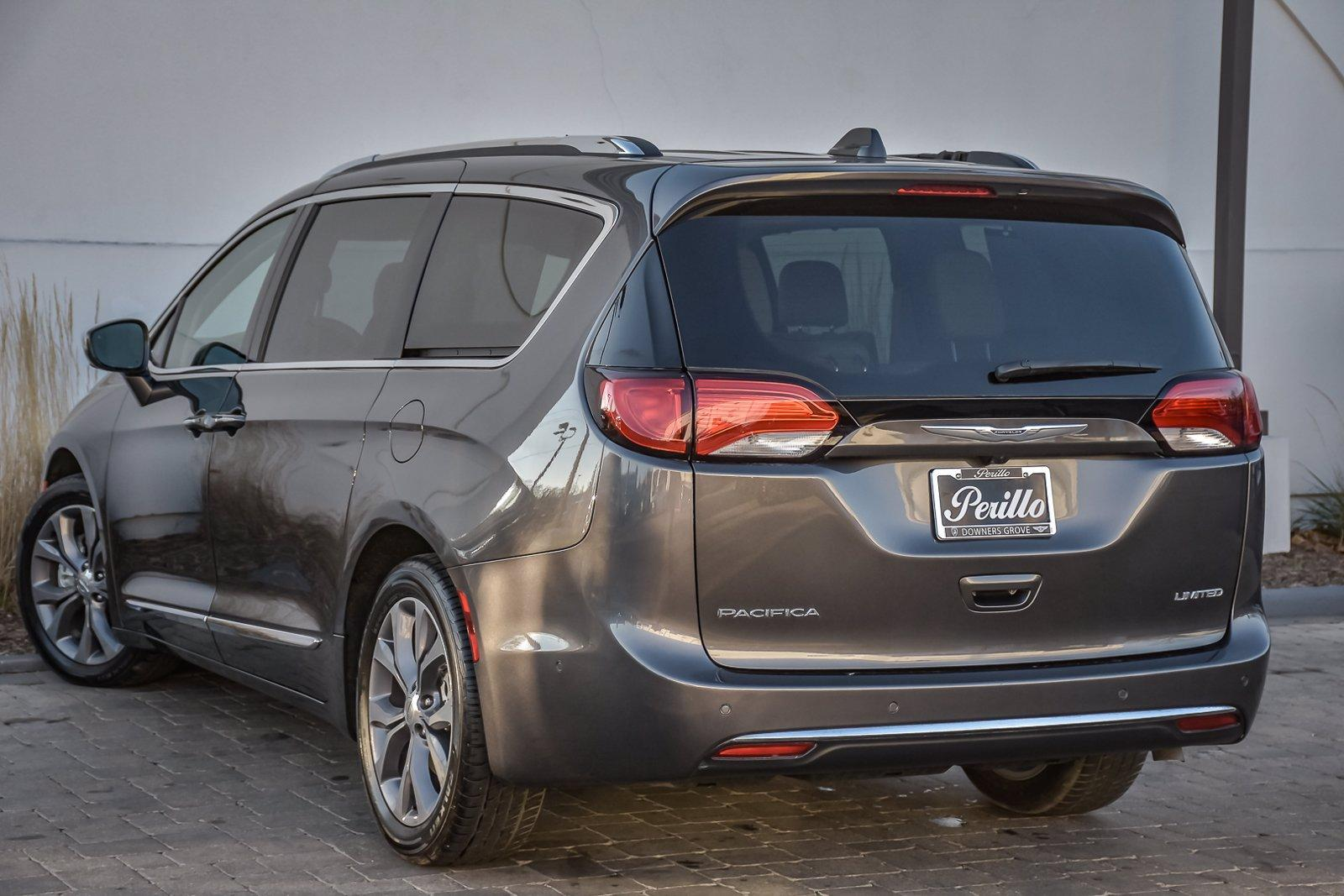 Used 2020 Chrysler Pacifica Limited, Rear Ent, Stow n' Go, | Downers Grove, IL