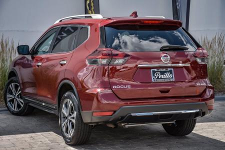 Used 2018 Nissan Rogue SL Premium | Downers Grove, IL