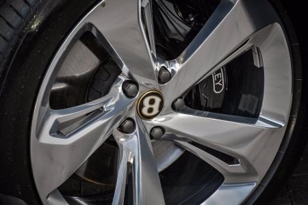 Used 2020 Bentley Bentayga Hybrid Mulliner | Downers Grove, IL