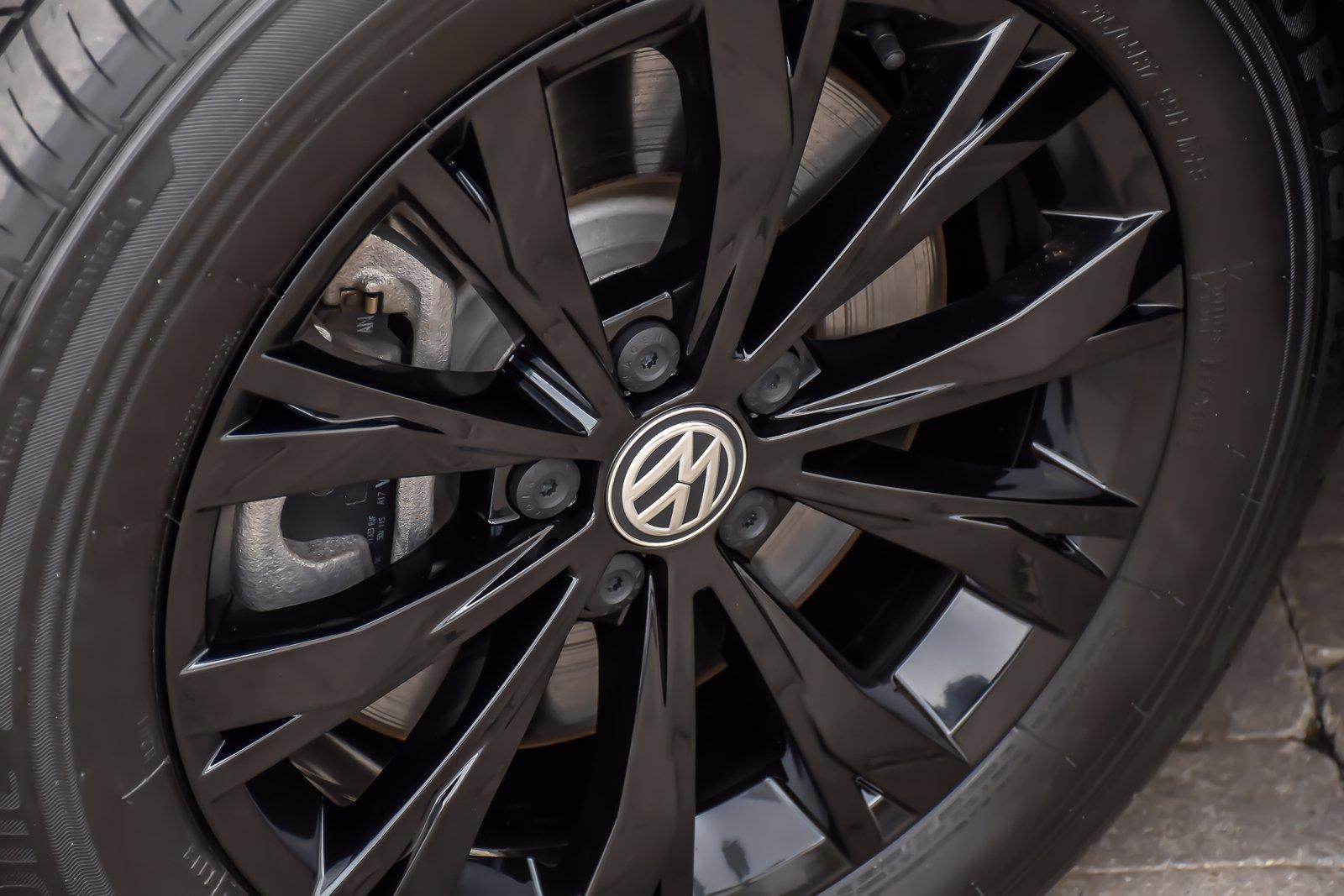 Used 2018 Volkswagen Tiguan SE w/3rd Row | Downers Grove, IL