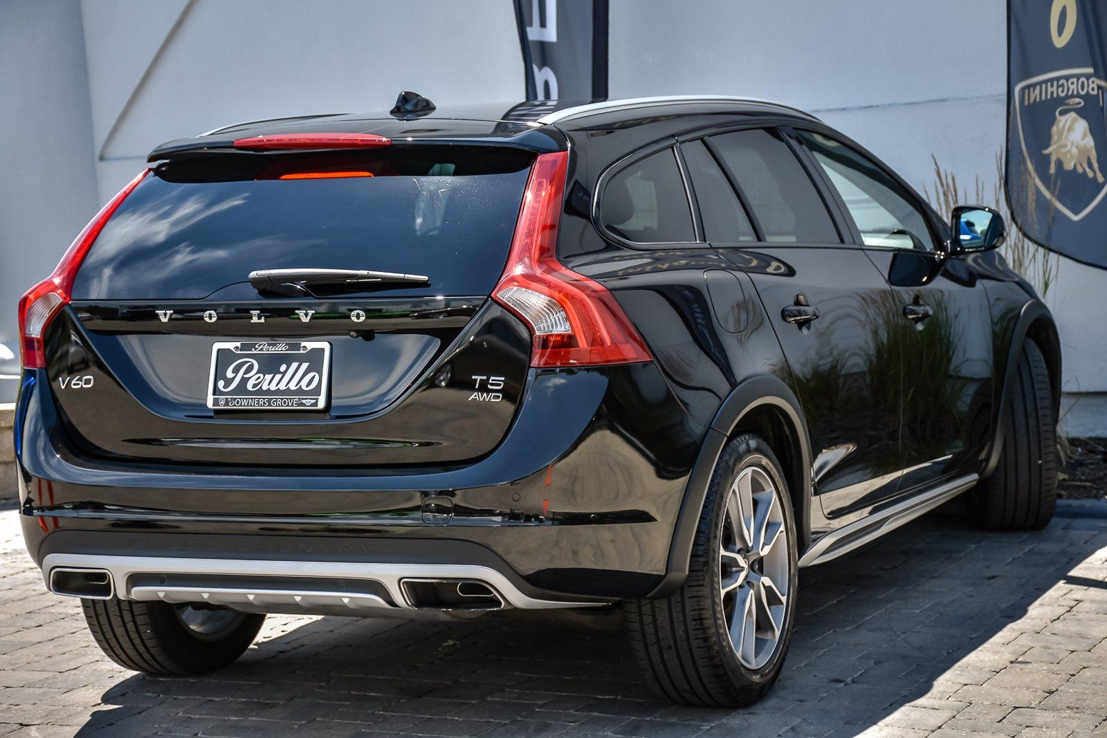 Used 2016 Volvo V60 Cross Country T5 | Downers Grove, IL